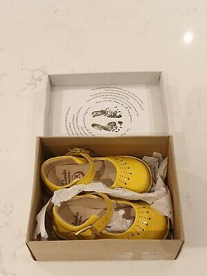 Clarks baby girls toddler first shoes air spring fx size 5 G