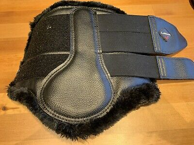 Le Mieux Black Soft Fleece Lined Brushing Boots with Faux Leather Finish -Large