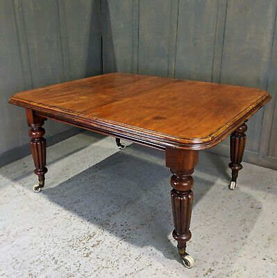Fine Mid 19th Century Large Antique Wind-Out Mahogany Dining Table