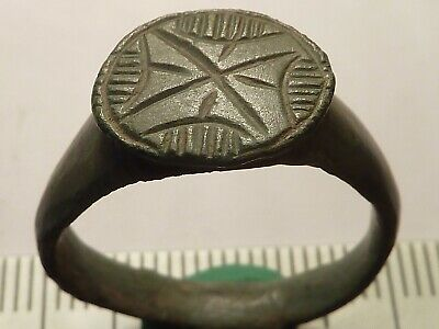 5300	Ancient Roman bronze ring with a cross 18 mm