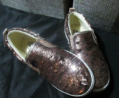 New with tags JUSTICE Girls Slip on Sparkle Sequin Shoes Size 4 Youth