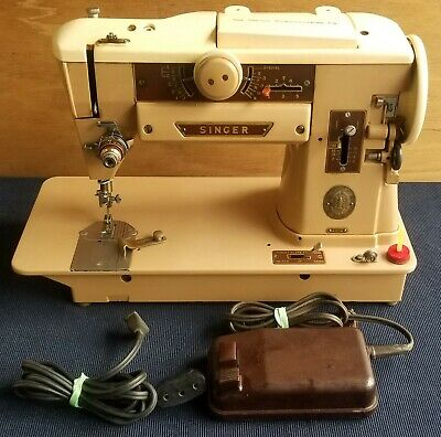 Vintage Singer Sewing Machine 401A With Foot Pedal
