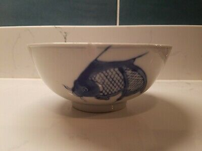"VINTAGE CHINESE BLUE & WHITE KOI CARP FISH RICE NOODLE BOWL 6""  PORCELAIN Footed"