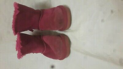Childs ugg boots pink bows size 30 genuine Australia