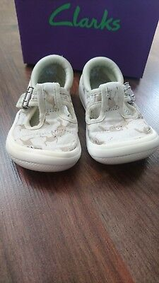 Clarks Beige Sparkly Briley Bow Cotton Combi Shoes Size Uk 4 Eur 20 With Box