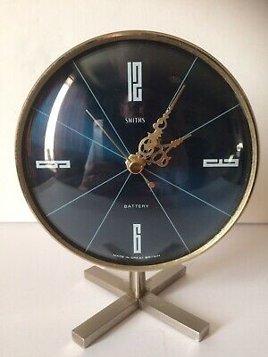 Vintage Smiths Quartz Mantel/Desk Clock Vintage Silent Running Nice Condition