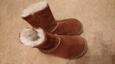 Girls GUC Clarks Brown Fur Lined Warm Winter Suede Calf Boots Size 6.5 Infant