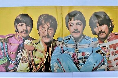 Beatles 1967 Sgt Peppers Lonely Hearts Club Band LP + Cut Out Insert  PCS 7027