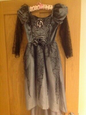 Girls dressing up outfit, age 7-8 yrs fancy dress