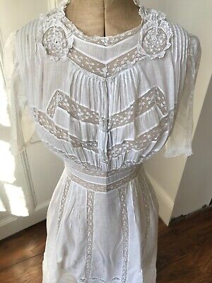 Antique Edwardian muslin and lace Dress 1910