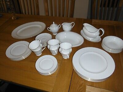Wedgewood Signet Gold Bone China Dinner Service Excellent Condition