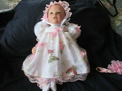 """**Beautiful Set In White Butterfly Organza For A 19-23"""" Reborn**"""