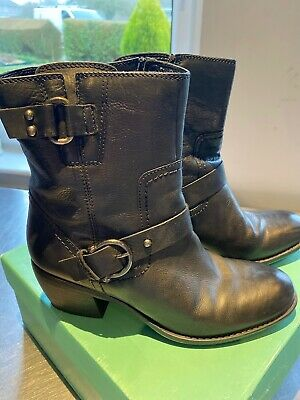 Clarks Ladies Black Leather Ankle Boots Size 5 1/2