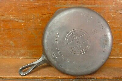 Antique Griswold NO. 8 Cast Iron Skillet NO.704 W - Large Logo Dual Pour Spouts