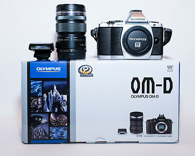 OLYMPUS OM-D E-M5 Complet