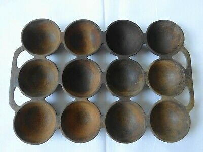 Antique Cast Iron Griswold No. 947 Brownie Muffin Pan- 12 Cup Gem Pan