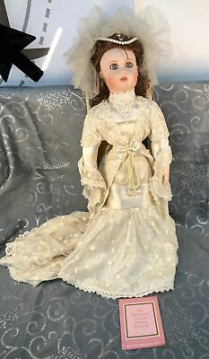 cp-1184  Porcelain//bisque DOLL neck shoulder plate 1995 MDA//DG  MS4001