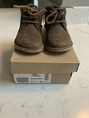 "G FIT NEW BOYS CLARKS /""DIGGY TOM/"" BROWN GENUINE LEATHER BOOTS SHOES INFANTS F"