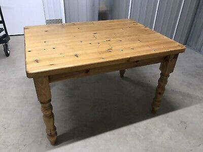 REDUCED! SOLID PINE Country Style Kitchen Table 4' x 3'