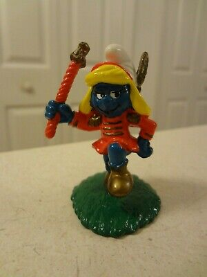 Valentine Smurfette with Heart Rubber Figurine Toy in Egg from Plastoy Figure