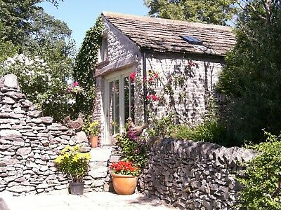 Holiday cottage Derbyshire Peak District, dog friendly, 2 nights Feb/March