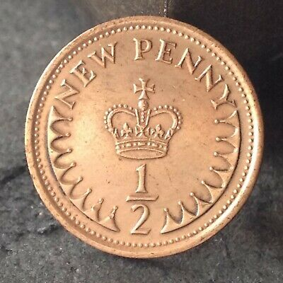 1975 halfpenny, 1/2 penny coin. Free UK p&p