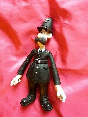 T M P Intl Wallace and Gromit 6 Action Figure Lady Tottington