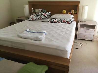king size Bed with bed side x 2 No mattress