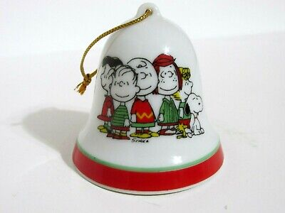 SNOOPY PEANUTS CHARLIE BROWN DETERMINED PORCELAIN CHRISTMAS BELL ORNAMENT 1976
