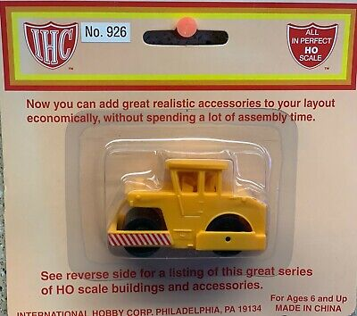Fully Assembled New in Package Heavy Duty IHC #912 HO Tow Truck