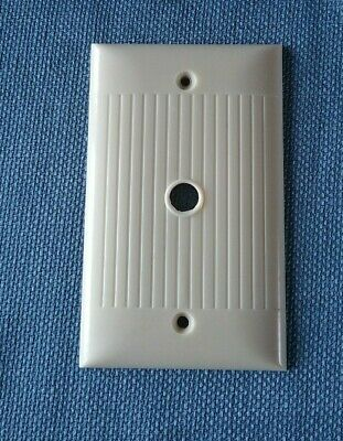 Vtg  Sierra Electric Cable Cover Wall Plate Ivory Ribbed D-11  Bakelite