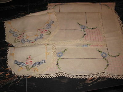 4 PC LOT VINTAGE EMBROIDERED WITH LACE EDGE TABLE RUNNERS Floral Doilies