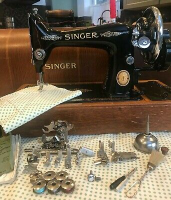 Vintage SINGER 99k superb condition handcrank sewing machine + accessories 1951