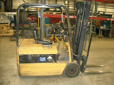 """CATERPILLAR F35 ELECTRIC 3 WHEEL FORKLIFT & CHARGER CAP 3250lbs 191"""" 48V"""