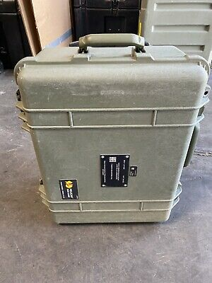Pelican 1560 Protector Case Green Hard Rolling***FREE SHIPPING***