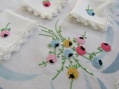 Vintage Embroidered Tablecloth Set FRENCH KNOTS Luncheon Set w/ 3 Napkins