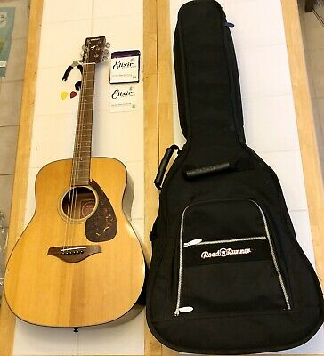 Yamaha FG700S Acoustic Guitar & Road Runner Gig Bag