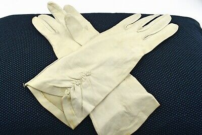 Vintage Kid Leather Evening Gloves in Creamy Beige Colour with Ruched Detail,