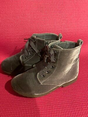 The Childrens Place Girls Size 10 Velvet Grey Ankle Boots