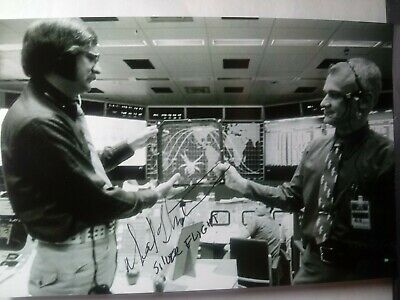 NEIL HUTCHINSON Authentic Hand Signed 4X6 Photo  NASA SILVER FLIGHT DIRECTOR