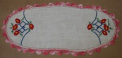 VINTAGE HAND MADE CROCHETED & EMBROIDERED DOILY 28cm x 14cm