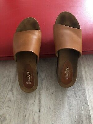 Authentic Neiman Marcus Leather Wedge  Sandals, Made In Italy, Size 9,5