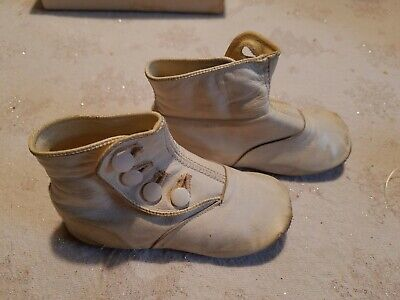 Victorian White Soft Leather 4 Button Baby Shoes in Original Box