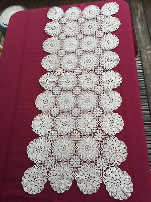 Vintage Crochet hand made table runner and 6 place mats