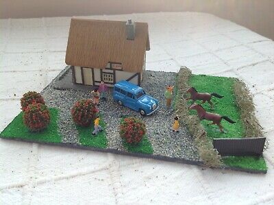 OO gauge diorama. Cottage scene. Scratch built. Suit railway / Hornby