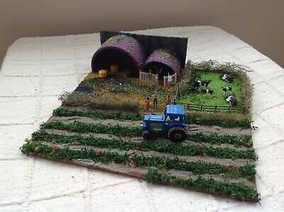 OO gauge diorama. Farm yard scene. Scratch built. Suit railway / Hornby