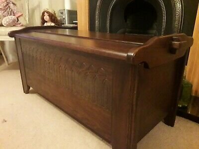 Carved oak coffer, chest, storage. lovely shape. Solid oak Excellent condition.