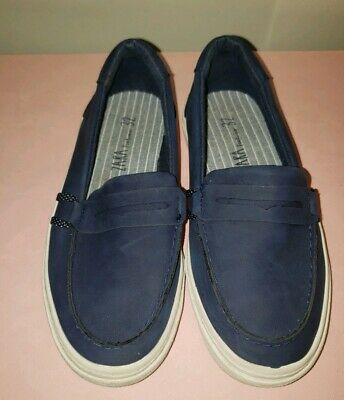 Boys kids Blue Slip On Boat Shoe Zara Footwear Size 32
