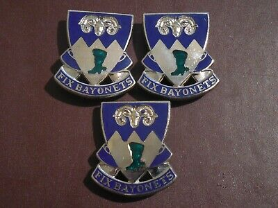 WWII 85th Infantry Crest US Army Insignia Lot Badge Collar Military Pin Set