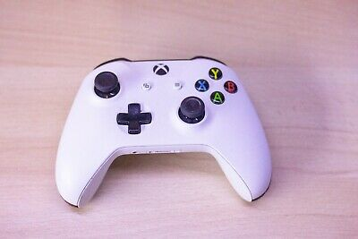 OFFICIAL MICROSOFT XBOX ONE CONTROLLER / WHITE / WIRELESS / for SPARES OR REPAIR